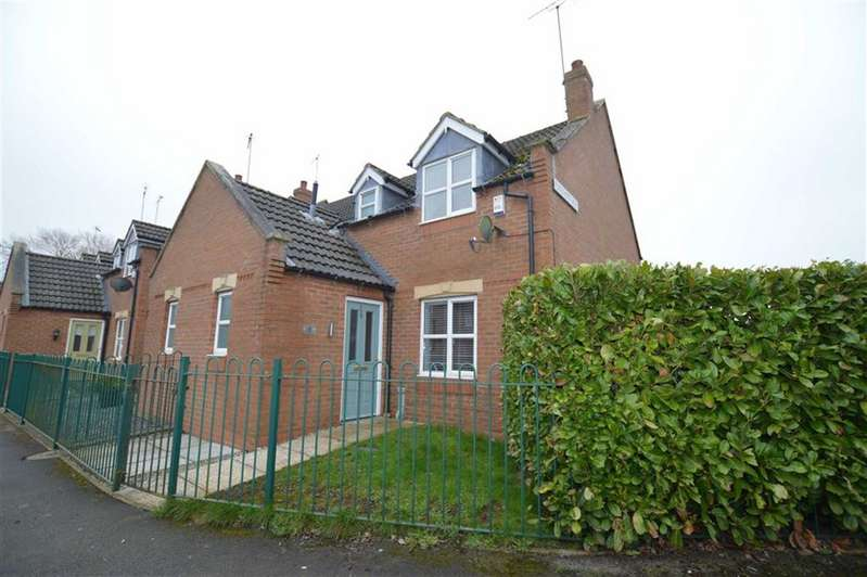 3 Bedrooms Semi Detached House for sale in Fletchers Row, Long Riston, East Yorkshire