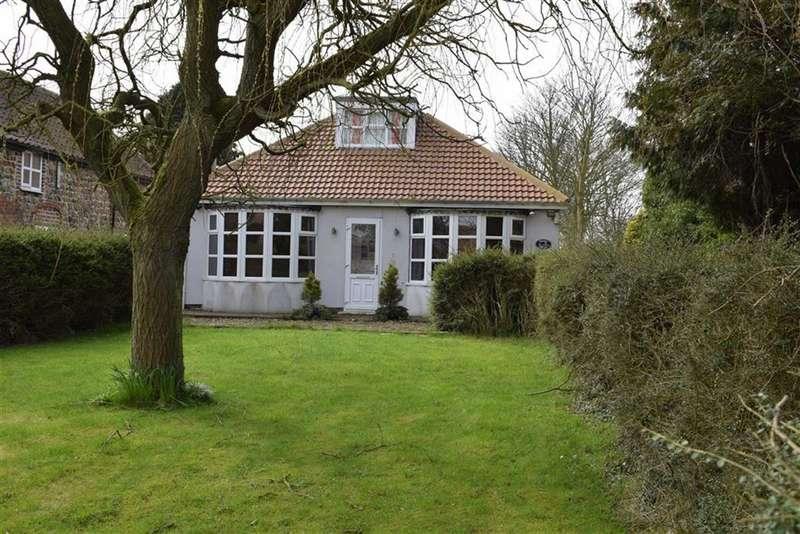 3 Bedrooms Detached Bungalow for sale in Hornsea Road, Skipsea, East Yorkshire, YO25
