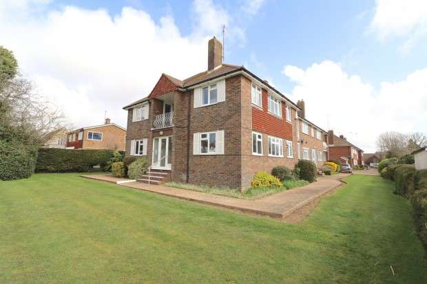 2 Bedrooms Flat for sale in Hadley Court, Church Road, Polegate, BN26