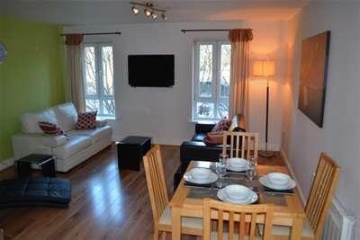 2 Bedrooms Flat for rent in Chapel Gardens L5
