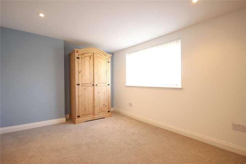 3 Bedrooms Maisonette Flat for rent in Heyford Avenue, Eastville, Bristol, City of, BS5