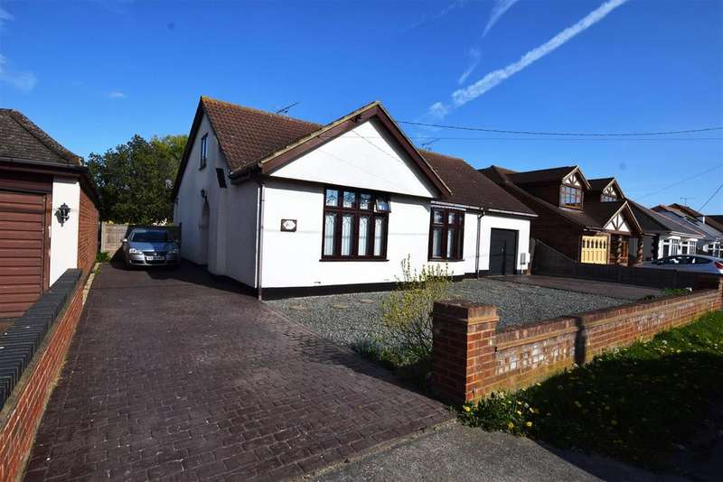 4 Bedrooms Chalet House for sale in The Avenue, Canvey Island