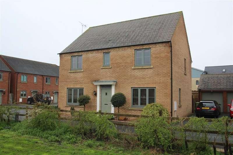 4 Bedrooms Detached House for sale in Aran Court, Oakridge Park, Milton Keynes