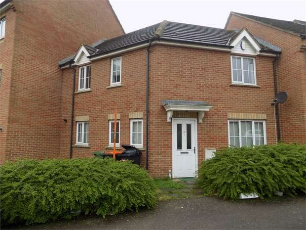3 Bedrooms Terraced House for rent in Cormorant Way, Leighton Buzzard, Bedfordshire
