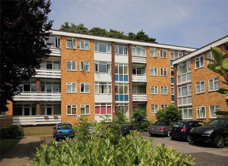 3 Bedrooms Apartment Flat for sale in Radstone Court, Woking, Surrey, GU22