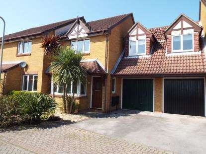 3 Bedrooms House for sale in Locks Heath, Southampton, Hampshire