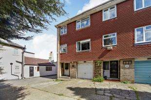 3 Bedrooms Terraced House for sale in Upper Shirley Road, Shirley, Croydon, Surrey