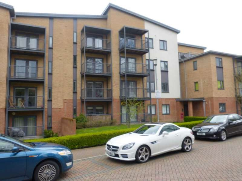 2 Bedrooms Apartment Flat for sale in Grade Close, Elstree