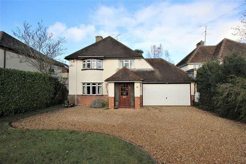 3 Bedrooms Detached House for sale in Greenhill Way, Farnham