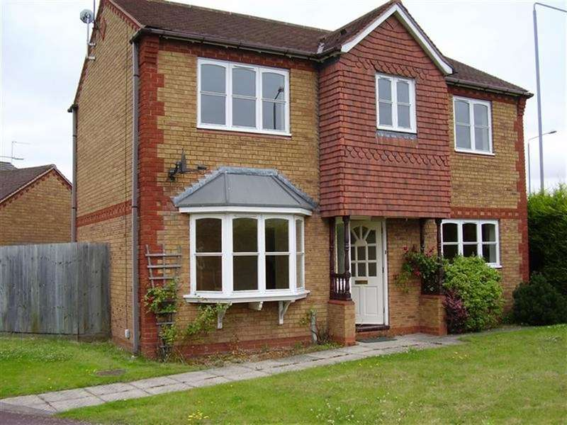 3 Bedrooms Detached House for rent in Gowan Close, Chilwell, Nottingham, NG9 6NS