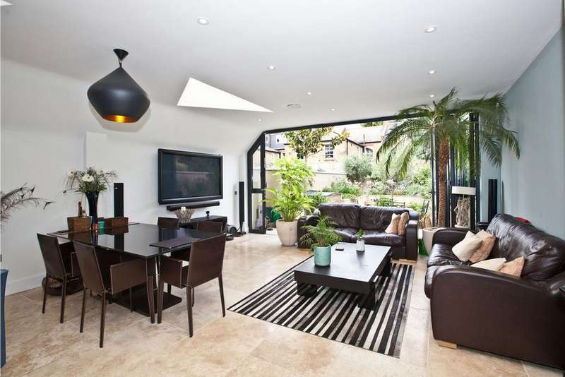 4 Bedrooms House for sale in Wavendon Avenue, London