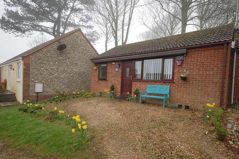 2 Bedrooms Semi Detached Bungalow for sale in Temple Drive, Weybourne