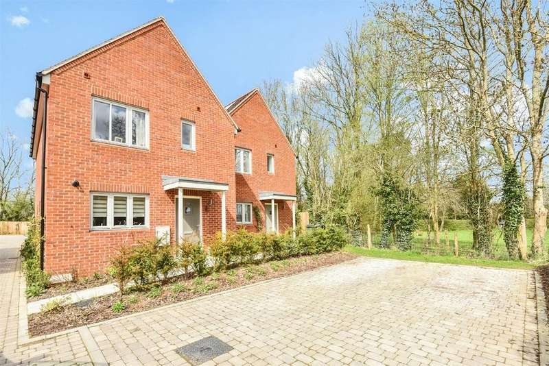 3 Bedrooms End Of Terrace House for sale in Waltham Chase, Hampshire