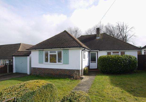 2 Bedrooms Detached Bungalow for sale in Sandilands, Riverhead, Sevenoaks
