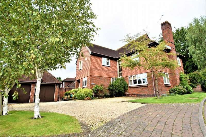 5 Bedrooms Detached House for sale in Springfield, LIGHTWATER, Surrey