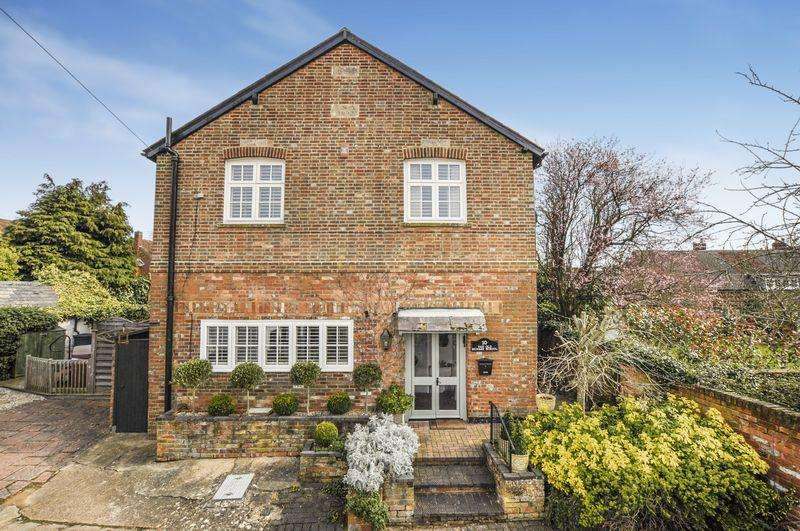 4 Bedrooms Detached House for sale in Brill
