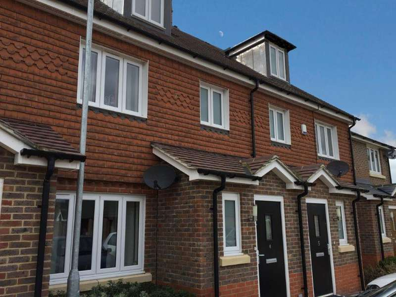 4 Bedrooms Town House for rent in Billingshurst, West Sussex