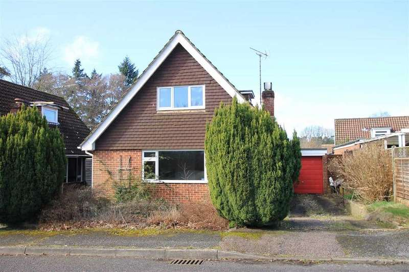 3 Bedrooms Detached House for sale in Ludshott Grove, Headley