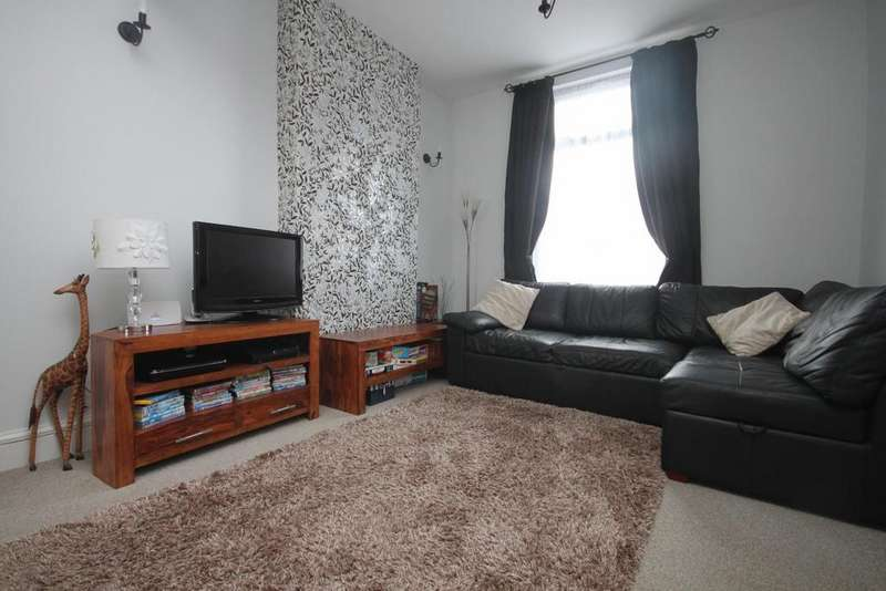 2 Bedrooms Semi Detached House for sale in Lawson Street, Southport