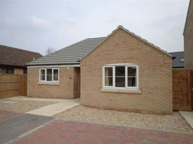 2 Bedrooms Detached Bungalow for rent in Foxwood North, Soham