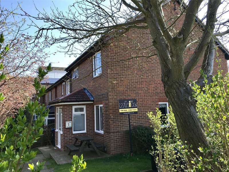 1 Bedroom End Of Terrace House for sale in Barnfield Way, Hurst Green, Surrey, RH8