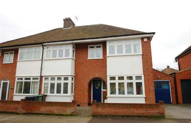 4 Bedrooms Semi Detached House for sale in Wynchlands Crescent, St Albans, Hertfordshire
