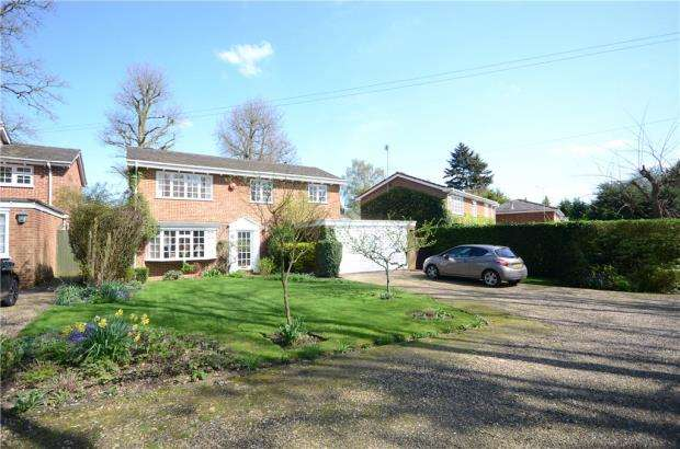 4 Bedrooms Detached House for sale in Conisboro Way, Caversham, Reading