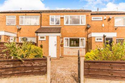 3 Bedrooms Terraced House for sale in Southdown Close, Heaton Norris, Stockport, Cheshire