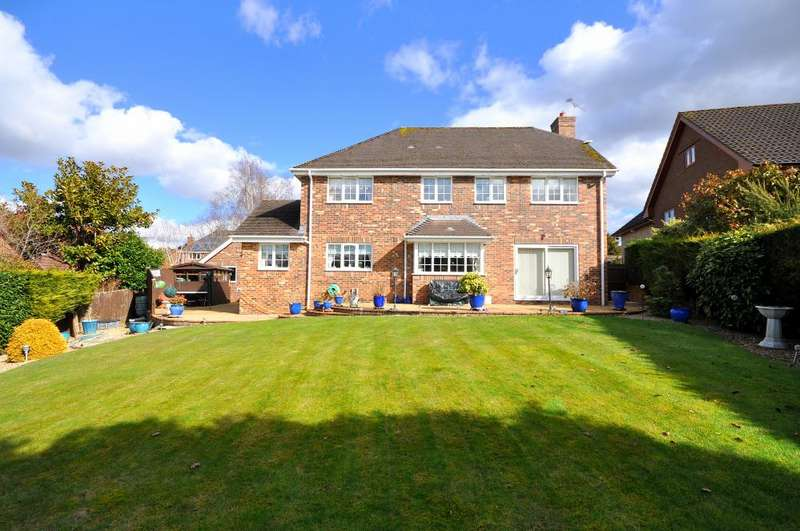 5 Bedrooms Detached House for sale in Hobbs Park, St Leonards, Ringwood, BH24 2PU