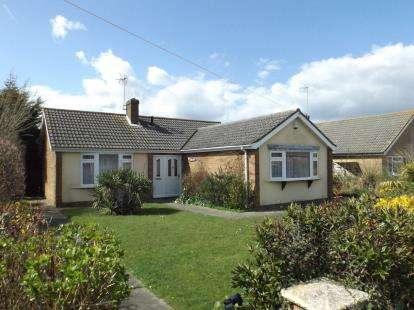 2 Bedrooms Bungalow for sale in Scratby, Great Yarmouth, Norfolk
