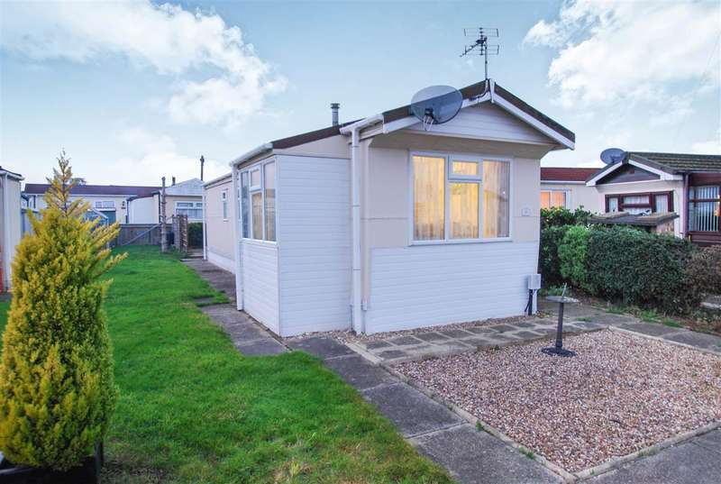 2 Bedrooms Bungalow for sale in Lyndhurst Estate, Ingoldmells, Skegness