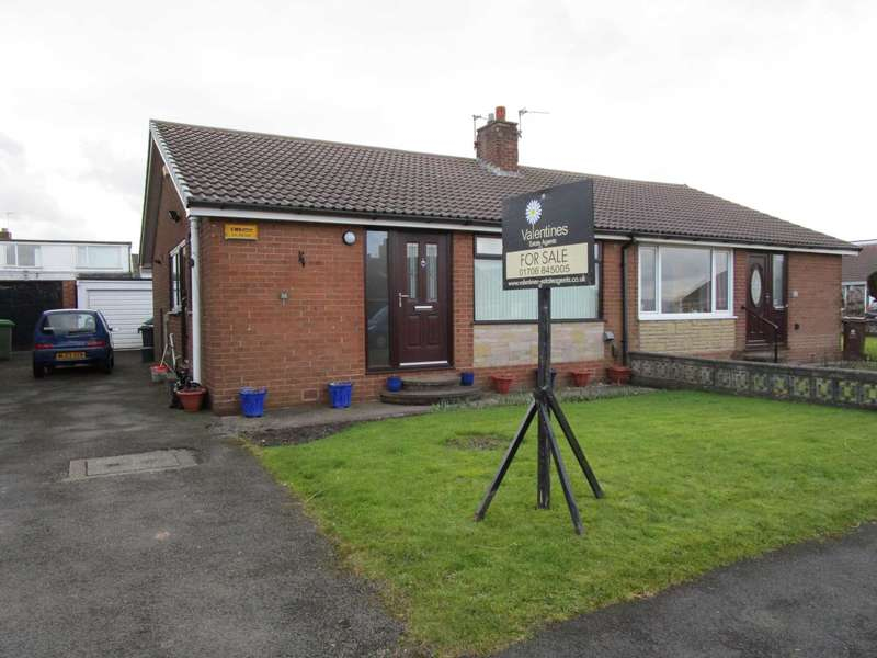 2 Bedrooms Semi Detached Bungalow for sale in Sherwood Way, High Crompton, Shaw