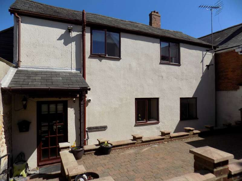 2 Bedrooms Semi Detached House for sale in Bath Street, Chard