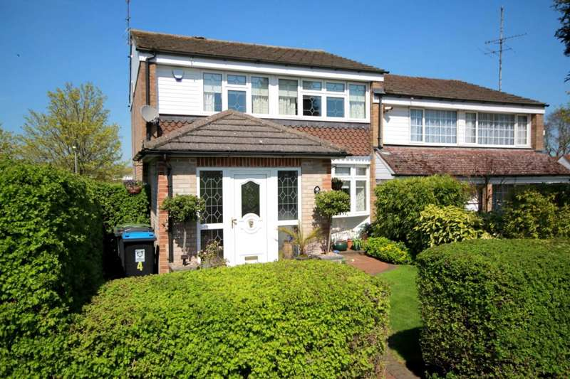 3 Bedrooms Semi Detached House for sale in GARAGE - DOWNSTAIRS CLOAK ROOM - OVER 1200 sq/ft in HP2