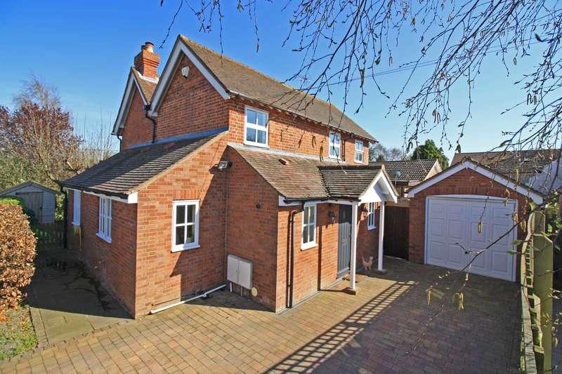 3 Bedrooms Detached House for sale in Elm Road, North Moreton