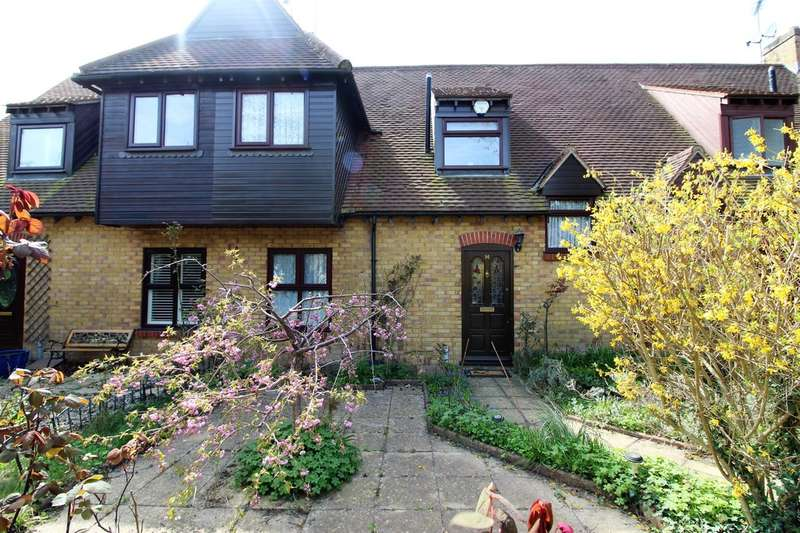 3 Bedrooms Terraced House for sale in Hollow Cottages, Purfleet