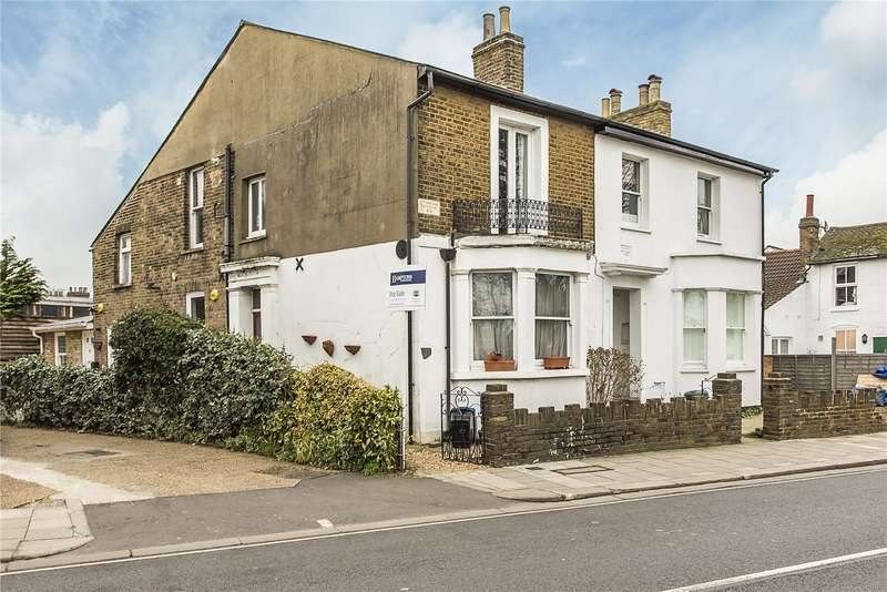 2 Bedrooms Flat for sale in The Green, Twickenham, TW2