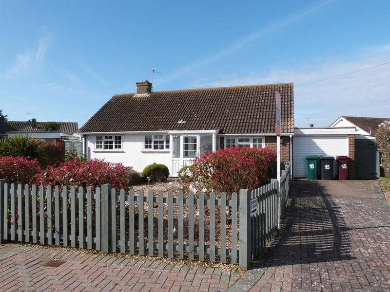 3 Bedrooms Detached Bungalow for sale in Meadowland, Selsey