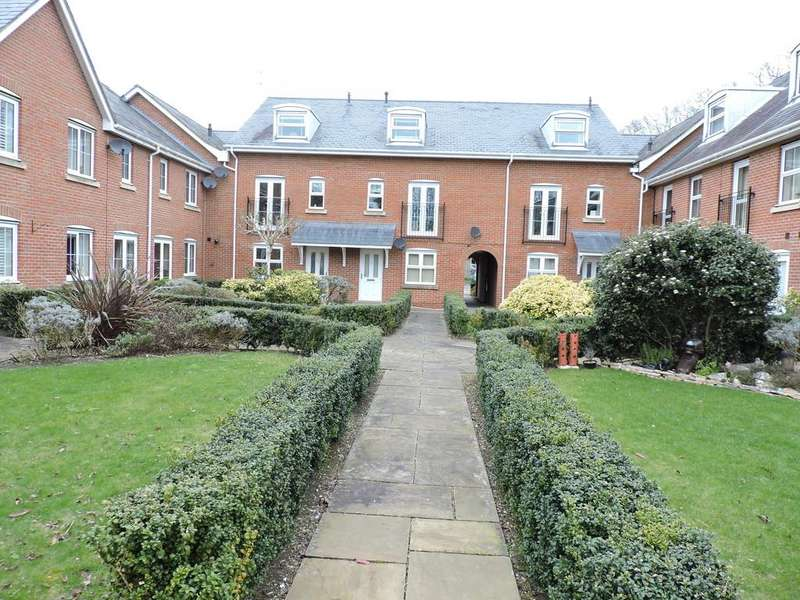 1 Bedroom Ground Flat for sale in Wimborne, Dorset