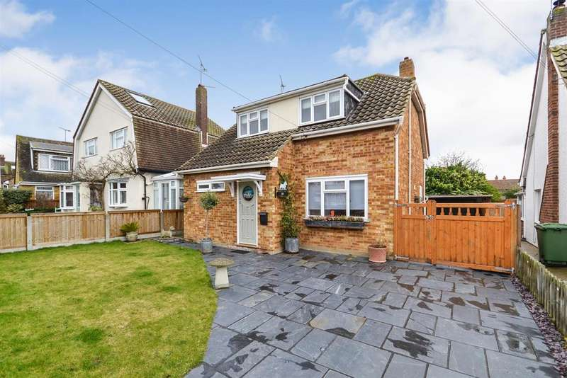 3 Bedrooms House for sale in Brickwall Close, Burnham-on-Crouch