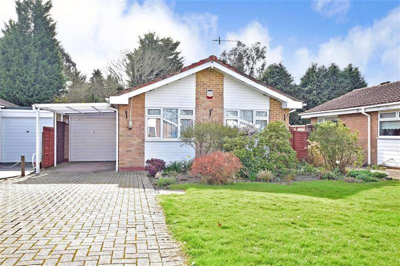 2 Bedrooms Detached Bungalow for sale in Charlotte Grove, Smallfield, Horley, Surrey