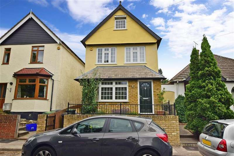5 Bedrooms Detached House for sale in Brook Road, Epping, Essex