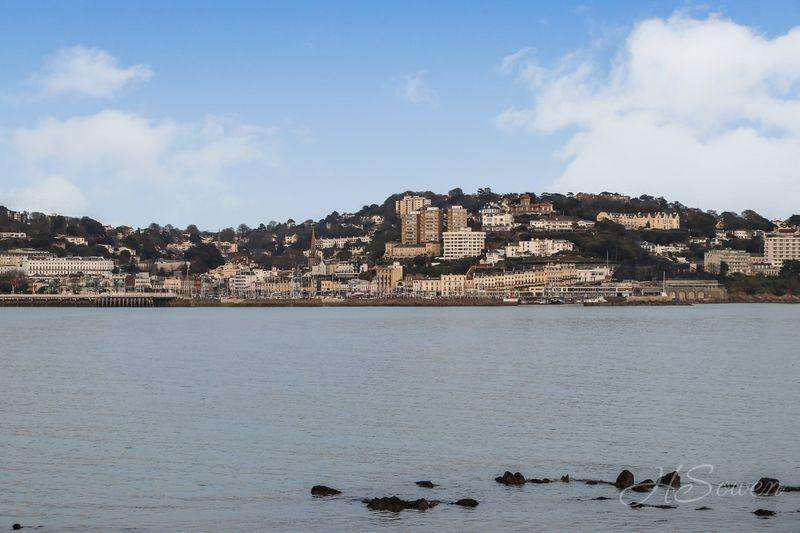 3 Bedrooms Apartment Flat for sale in Vane Hill Road, Torquay