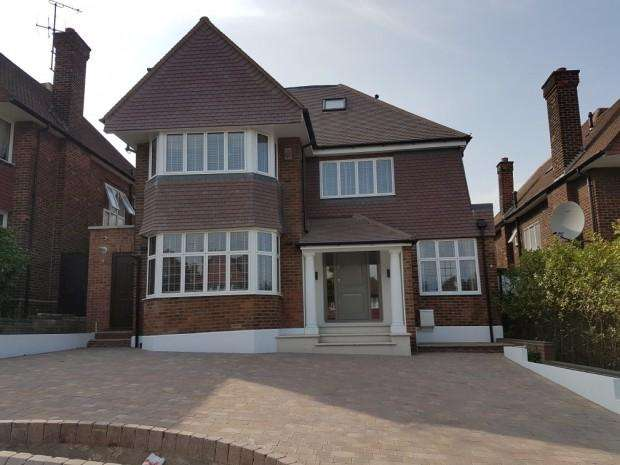 6 Bedrooms Detached House for rent in The Paddocks, Wembley, HA9