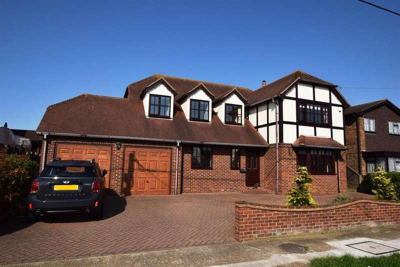 4 Bedrooms Detached House for sale in Runnymede Road, Canvey Island