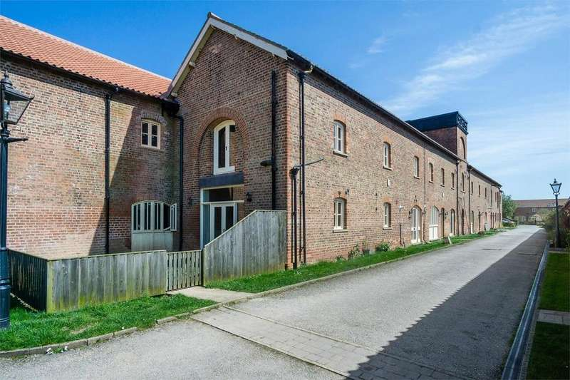 3 Bedrooms Mews House for sale in Enholmes Farm, Patrington, East Riding of Yorkshire