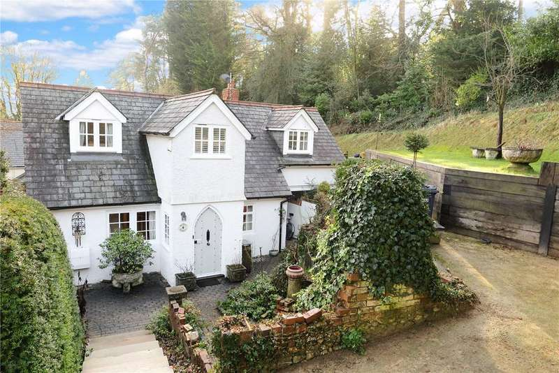 3 Bedrooms Detached House for sale in Old Church Lane, The Bourne, Farnham, Surrey, GU9