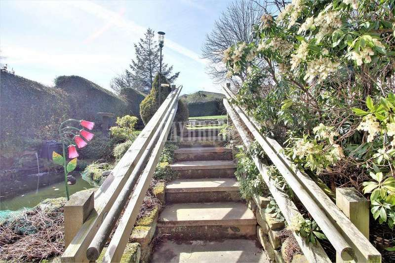 3 Bedrooms Semi Detached House for sale in Vicarage Road, Grenoside