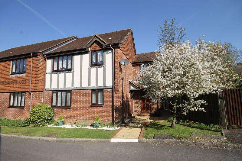 1 Bedroom Flat for sale in Foundry Court, Mill Road, Burgess Hill, West Sussex