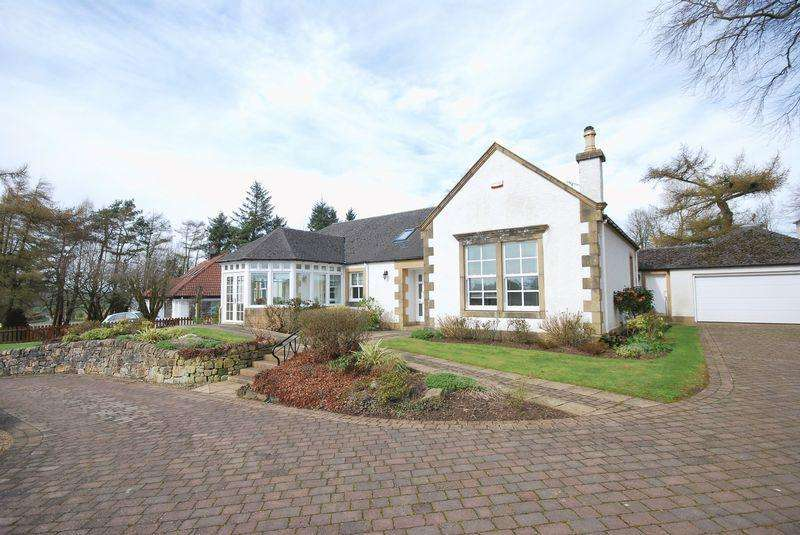 3 Bedrooms Detached Bungalow for sale in Newfield, 72 Main Street, Symington, KA1 5QG